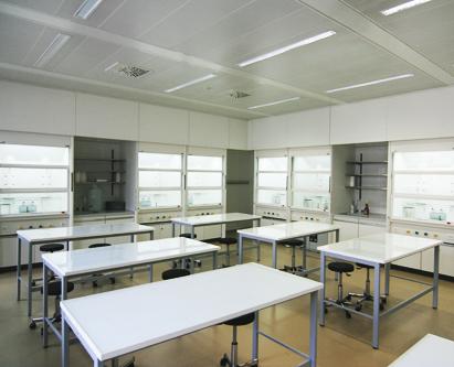 Architecte Geneve - 093 - Aménagement de laboratoires de chimie dans des Collèges